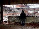 Torzo sportovní haly by mělo brzy zmizet. Výběrové řízení na její demolici se...