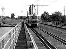 P�vodní provizorní tramvajový most v Troji. Do provozu byl uveden v roce 1977....