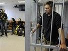 Jedním ze 30 zadržených aktivistů Greenpeace je Anthony Perrett z Británie.