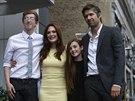 Julianne Moore, její manžel Bart Freundlich a děti Caleb a Liv na hereččině hvězdě na chodníku slávy (3. října 2013)