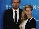 Chad Kroeger a Avril Lavigne na vyhlášení cen Huading, což je čínská obdoba Oscarů (Macao, 7. října 2013)
