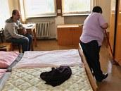 Život na ubytovnách není snadný, ale lidé nemají kam jinam jít. (1. října 2013)