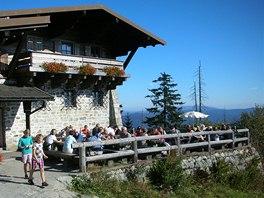 Restaurace pod vrcholem je na konci tzv. Zimní cesty (Winterweg).