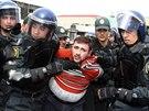 Zásah proti opoziční demonstraci v Baku (2. dubna 2011)