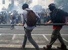 Do ulic v centru italské metropole v sobotu vyrazily desetitisíce demonstrantů,...