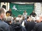 Koncert pro Svobodné na Náměstí republiky v Praze zahájila country skupina