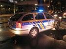 Jedenatřicetiletý řidič ujížděl v Praze 4 ve svém BMW policistům a pak do nich
