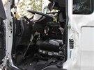 Nehoda kamionu a cisterny na silnici číslo 35. (10. října 2013)