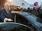 Proti počínání prezidenta Miloše Zemana při jeho návštěvě Dobříše na Příbramsku...