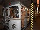 ��zen� soupravy metra E�s p�i oslav� 35. v�ro�� provozu metra v Praze