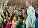 Studenti kol�nsk� obchodn� akademie m�li na prezidenta �adu ot�zek.