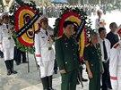 Vietnam zahájil dvoudenní státní pohřeb oblíbeného generála Vo Nguyen Giapa,