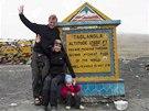 Martin Burs�k a Kate�ina Jacques s dcerou Noemi vystoupali v Ladaku na vrchol Taglang La.