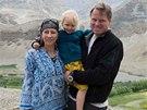 Kate�ina Jacques a Martin Burs�k s dcerou Noemi v Himal�j�ch.