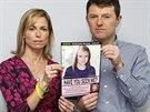 Kate a Gerry McCannovi s po��ta�em vytvo�enou podobiznou jejich zmizel� dcery...