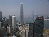 V Hongkongu bydlí řada miliardářů i statisíce lidí, kteří žijí v bídě. (10....