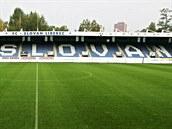 CHLOUBA. Chloubou stadionu U Nisy je Severn� tribuna, kter� nab�z� nejlep��...