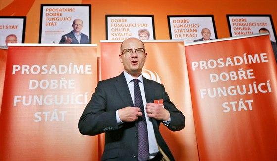 Bohuslav Sobotka ve volebním štábu ČSSD v Praze. (26. října 2013)