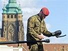 Prezentace vojenské techniky a výzbroje na Hradčanském náměstí (24. října 2013)