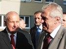 Prezident Miloš Zeman se na začátku návštěvy Ústeckého kraje setkal na dvacet...