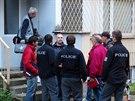 Policisté zajišťují stopy po pokusu o znásilnění dívky v Kozmíkově ulici v...