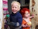 Dvě z dětí Bulharky Sašy Rusevové.