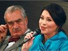 Karel Schwarzenberg a Jana Bobošíková při předvolební debatě lídrů stan, kterou
