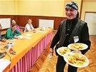 V Srbicích na Teplicku přiléhá volební místnost k místní restauraci. Obecní
