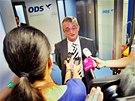 Marek Benda hovoří s novináři ve volebním štábu ODS. (26. října 2013)
