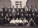Snímek skupiny židovských teenagerů z bývalého Československa, kteří žili v...