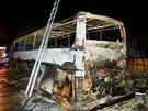 Požár autobusu jedoucího z Krakova do Prahy na silnici R35 poblíž Olomouce....