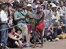 Oslav před budovou opery se zúčastnili místní obyvatelé, turisté i australští