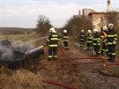 Bezdomovec Ludvík ze Skřivan už několikrát zapálil pneumatiky. Na místě...