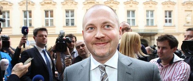 Michal Ha�ek p�ichází do volebního �tábu �SSD. (26. �íjna 2013)