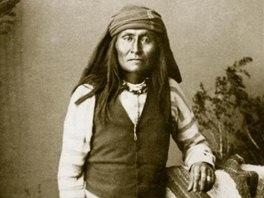 Apač Mangas, syn náčelníka Mangas Colorada (snímek z knihy Indiáni -