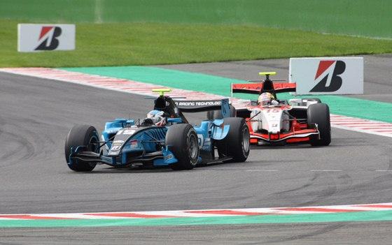 Debut v GP2: sezona 2010 s t�mem Ocean nedopadla pro Fabia Leimera p��li� dob�e.
