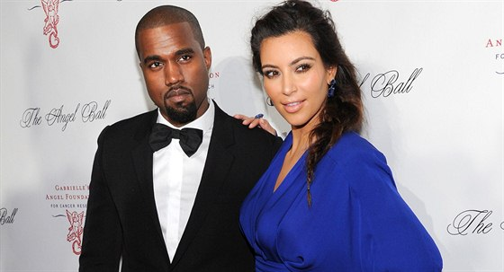 Kanye West a Kim Kardashianová (22. října 2012)