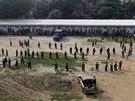 Soud se vzpurnými vojáky provázela přísná bezpečnostní opatření (5. listopadu...