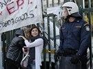 Řecká policie obsadila sídlo státní televize (7. listopadu 2013