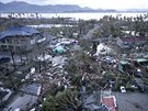 Supertajfun na Filipínách zabil až tisíc lidí (9. listopadu).