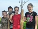 Do sázení stromů se zapojily všechny generace.