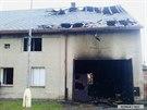 V domě v době vypuknutí požáru spala starší žena a dvě děti.