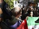 Chemick� zbran� u n�s necheme. Alb�nci protestuj� v Tiran� proti mo�n� dohod�