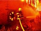Požár haly s uskladněnou slámou (5. 11. 2013)