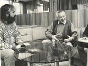 Miroslav Sehnal (vlevo) s hercem Miroslavem Horníčkem a novinářem Pavlem Fialou.