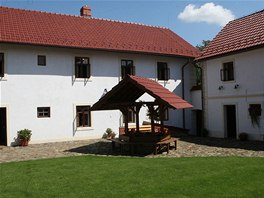 Dvůr statku, ve kterém se v roce 1822 narodil Johann Gregor Mendel.