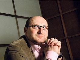 Politolog Lubom�r Kope�ek p�edn�� na Fakult� soci�ln�ch studi� Masarykovy