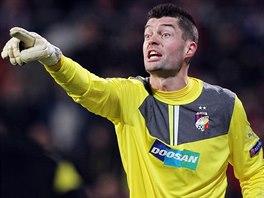 POZOR! Plzeňský brankář Matúš Kozáčik si proti Bayernu počínal skvěle....