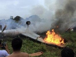 V Bolívii se zřítilo letadlo s 18 lidmi na palubě, osm z nich zemřelo.