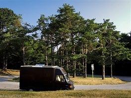 Obytný vůz Safira. S naším mobilním domkem je to jako s člověkem. Z venku je to...